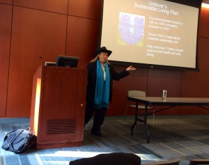 Hunter Lovins speaks to a group of Fordham University students.