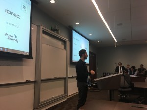 Andrew Buemi speaks with students about his experience in the venture capital industry. Photo by Naasik Islam.
